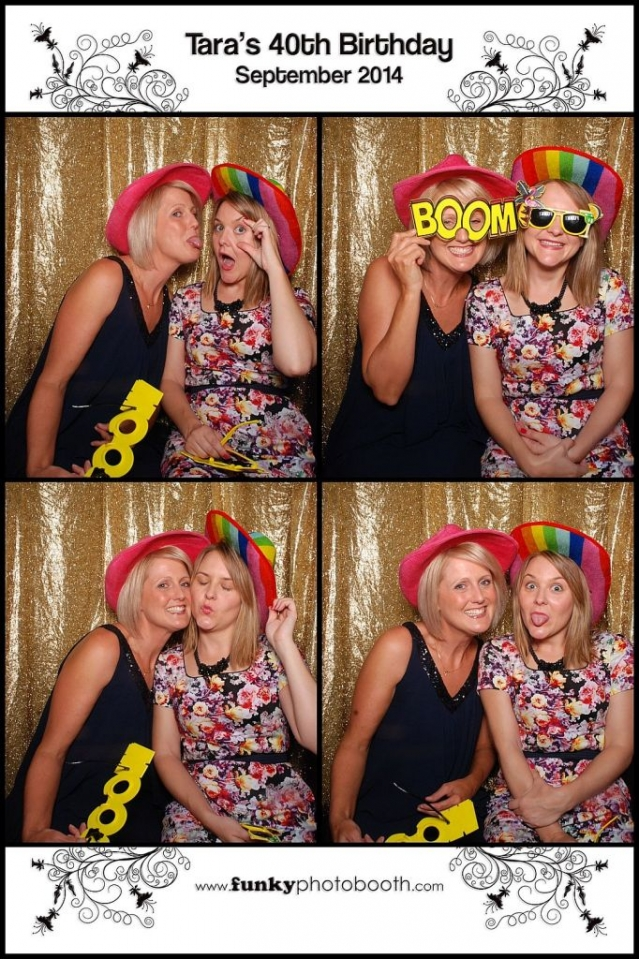 Photo Booth Newbury: Fab pictures ladies